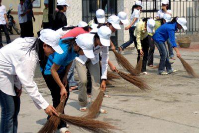Ra quân lao động cộng sản làm sạch quốc lộ 26