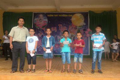 Công đoàn tổ chức Vui tết trung thu cho con em công đoàn viên Nhà trường